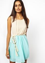 Легкое платье с оригинальным поясом от CLUB L (SIZE 10) (Новое)